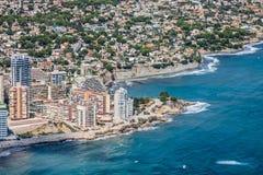 Vista dell'angolo alto del porticciolo in Calpe, Alicante, Spagna fotografia stock