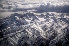 Vista dell'angolo alto della montagna della neve del paesaggio di inverno dall'aeroplano Leh Ladakh India Immagine Stock Libera da Diritti