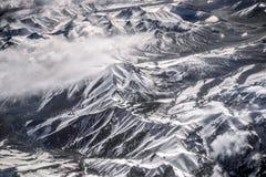 Vista dell'angolo alto della montagna della neve del paesaggio di inverno dall'aeroplano Leh Ladakh India Fotografie Stock Libere da Diritti