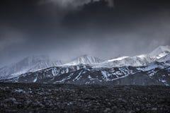 Vista dell'angolo alto della montagna della neve del paesaggio di inverno dall'aeroplano Leh Ladakh India Immagine Stock