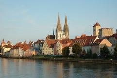 Vista dell'argine di Regensburg, Baviera, Germania Fotografia Stock