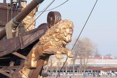 Vista dell'argine la città Sankt-Peterburg nel giorno di estate Fotografie Stock
