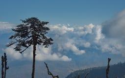 Vista dell'Himalaya innevata da un'altezza di 3250m fotografia stock libera da diritti