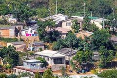 Vista dell'insediamento urbano residenziale ammucchiato di basso costo Fotografie Stock Libere da Diritti