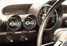 Vista dell'interiore di vecchia automobile dell'annata Immagine Stock Libera da Diritti