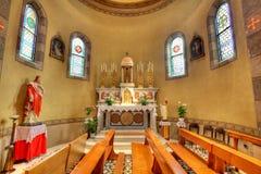 Vista dell'interno della chiesa cattolica. Alba, Italia. Fotografie Stock