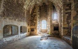 Vista dell'interno nel castello di Doune, fortezza medievale vicino al villaggio di Doune, nel distretto di Stirling della Scozia Immagine Stock