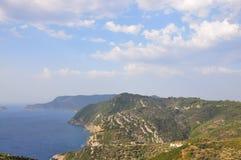 Vista dell'isola di Alonissos da vecchio Alonissos (Chora) immagine stock libera da diritti