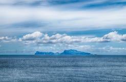 Vista dell'isola di Capri dal mare di Napoli L'Italia Immagini Stock Libere da Diritti