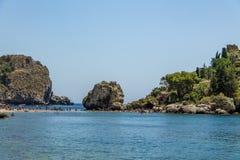 Vista dell'isola di Isola Bella e della spiaggia - Taormina, Sicilia, Italia Fotografia Stock Libera da Diritti