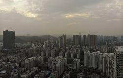 Vista dell'a mezz'aria nella città fotografia stock