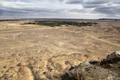 Vista dell'oasi dalla parte superiore della collina Fotografie Stock