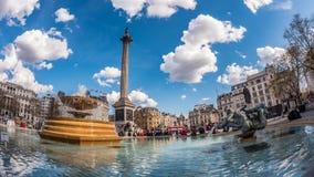 Vista dell'occhio di pesce del quadrato di Trafalgar, Londra con le fontane Fotografie Stock Libere da Diritti