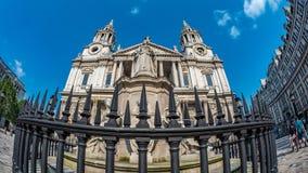 Vista dell'occhio di pesce della cattedrale di St Paul a Londra Fotografia Stock Libera da Diritti