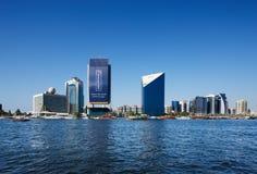 Vista dell'orizzonte dei grattacieli del Dubai Creek, UAE Fotografia Stock