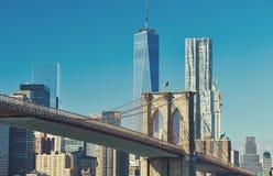 Vista dell'orizzonte del Lower Manhattan da Brooklyn Immagine Stock