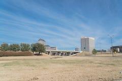 Vista dell'orizzonte di Las Colinas da John Carpenter Freeway fotografia stock
