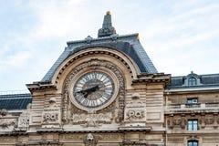 Vista dell'orologio di parete nel museo di Orsay del ` di D Parigi, Francia Fotografia Stock