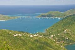 Vista della baia dell'isola di Gorda del Virgin   fotografie stock libere da diritti
