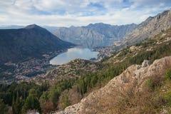 Vista della baia di Cattaro, Montenegro Immagini Stock