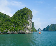 Vista della baia di Halong Fotografie Stock