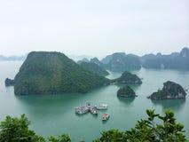 Vista della baia di Halong da sopra immagine stock