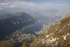 Vista della baia di Kotor nel Montenegro Fotografie Stock Libere da Diritti