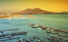 Vista della baia di Napoli con Vesuvio Fotografie Stock