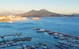 Vista della baia di Napoli con Vesuvio Fotografia Stock Libera da Diritti