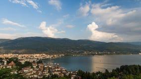 Vista della baia di Ocrida in Macedonia Fotografie Stock Libere da Diritti
