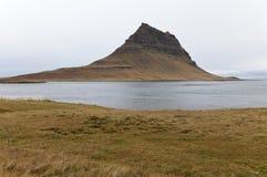 Vista della baia di Olavsvik. Fotografie Stock Libere da Diritti