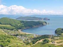 Vista della baia Nachodka e dell'isola Lisiy Fotografia Stock Libera da Diritti