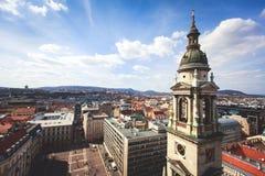 Vista della basilica del ` s di St Stephen, una basilica cattolica a Budapest, Ungheria, giorno soleggiato di estate Immagini Stock