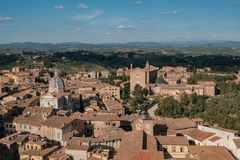 Vista della basilica di San Francesco, Siena, Italia Fotografia Stock