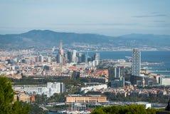Vista della cabina di funivia della città di Barcellona e linea costiera della Spagna Fotografia Stock Libera da Diritti