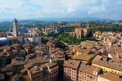 Vista della campagna di Siena, Italia da sopra. immagine stock