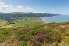 Vista della campagna Somerset England Regno Unito di Porlock dalla passeggiata alla bella campagna di Bossington vicino a Exmoor Fotografia Stock