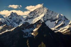 Vista della catena montuosa delle alpi a Zermatt Fotografia Stock Libera da Diritti