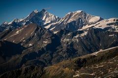 Vista della catena montuosa delle alpi a Zermatt Fotografie Stock