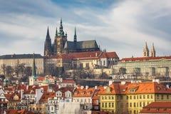 Vista della cattedrale della st Vitus a Praga Fotografia Stock