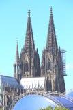 Vista della cattedrale di Colonia attraverso il Reno immagine stock libera da diritti