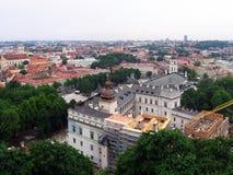 Vista della cattedrale di Vilnius dal castello di Gediminas Fotografia Stock
