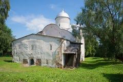 Vista della chiesa medievale di clemente, di papa di Roma sulla via di Ivorova & di x28; 1153& x29; Veliky Novgorod, Russia fotografia stock libera da diritti