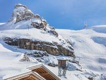 Vista della cima del Mt Titlis in Svizzera un giorno ventoso Fotografia Stock