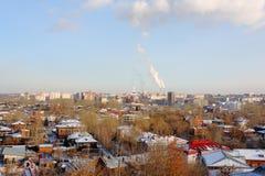 Vista della città con le fabbriche Fotografia Stock