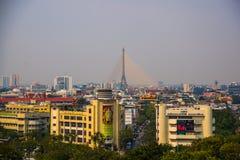 Vista della città da sopra, delle case e delle tempie Vista dal volo dell'uccello bangkok thailand fotografia stock