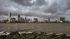Vista della città dal dargah di Hajiali in Mumbai Fotografia Stock
