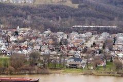 Vista della città del fiume fotografie stock libere da diritti