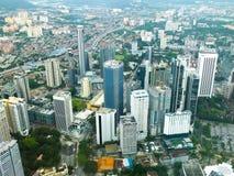 Vista della città della Malesia con i grattacieli Immagine Stock