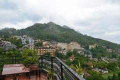Vista della città della montagna Immagini Stock